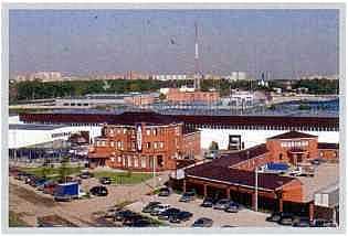 2002 год. Завод, выпускающий до 90% комплектующих для гаражных секционных ворот